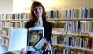 """Franciane Gontier, la directrice de la médiathèque : """"Nous mettons en avant des ouvrages en relation avec l'exposition"""""""