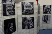 Le photographe a exposé quelques-unes de ses 200 portraits
