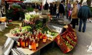 Du jus, des poires, des radis... certains sont repartis avec de bons produits de la ferme