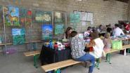 Animations et jeux au milieu de toiles et sous le préau de l'école de Crécy-au-Mont